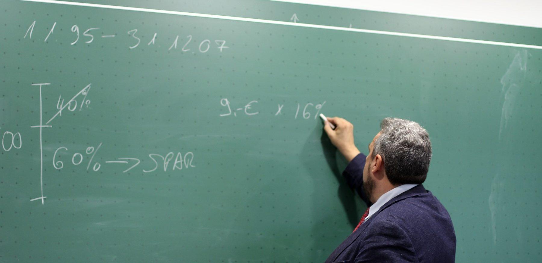 Staf Pengajar Berpengalaman